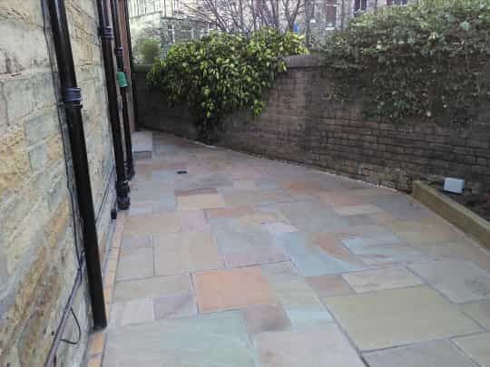 garden patio Edinburgh using buff sandstone